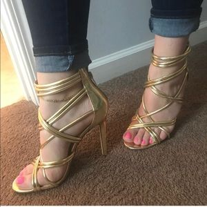 Shoes - Gold Gladiator strappy heels 7 & clutch